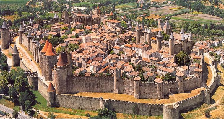 La cité médiévale de Carcassonne, Aude